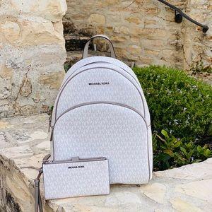 NWT Michael Kors signatur LG abbey backpack&wallet